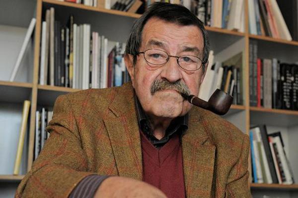 گونتر گراس برنده جایزه نوبل ادبی درگذشت