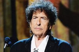 سکوت برنده نوبل ادبیات شکست / «باب دیلن»: زبانم بند آمده بود!