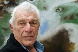نویسنده رمان «مرد هفتم» در آستانه 90 سالگی: برای داستان گفتن باید شنونده خوبی بود