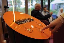 نصب ماشینهایی برای ارائه داستان کوتاه رایگان در ایستگاههای قطار فرانسه