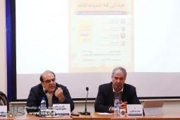 شکاف میان کارگزاران رسانهها و توده مردم علیه حکومت پهلوی بود
