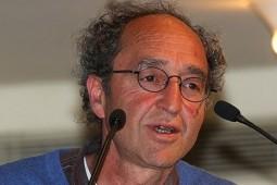 اسپانیا نویسنده منتقد اردوغان را بازداشت کرد