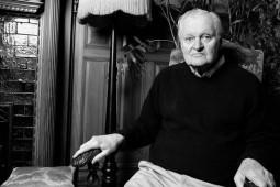 شاعر آمریکایی برنده پولیتزر درگذشت