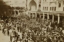 روایت پولاک از تعزیههای پرزرق و برق ایرانیان در دوره قاجار