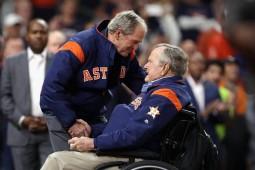 کتاب مورخ آمریکایی جنجال آفرین شد / بوشها علیه ترامپ
