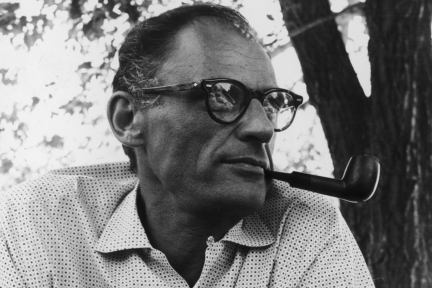 arthur miller biography essay Good samples of arthur miller thesis statement for college and high school list of examples of thesis statement for essay and research papers on arthur miller.