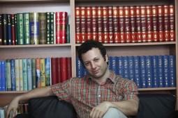 ماجرای هشتاد کتاب و هدیه نوروزی شروین وکیلی برای علاقهمندان کتاب