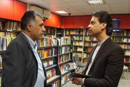 بازديد مدير عامل خانه كتاب از كتابفروشيهاي عضو طرح عيدانه در كاشان