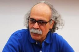 «این وبلاگ واگذار میشود» فرهاد حسنزاده به انگلیسی ترجمه شد