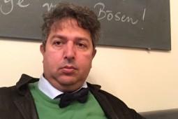 دو کتاب جدید یوسفی در ایران منتشر میشود