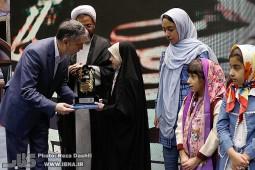 برگزیدگان هشتمین جشنواره کتابخوانی رضوی تجلیل شدند