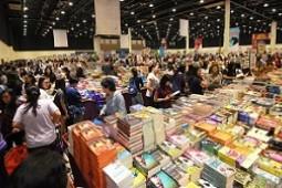 بزرگترین حراجی کتاب دنیا در دبی