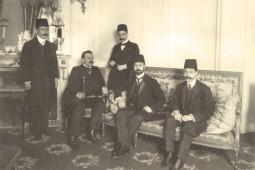 حسن پیرنیا نفر دوم از راست
