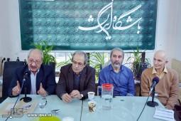 فراستخواه: ایدئولوژی پهلوی ایران را به قوم آریایی تقلیل داد