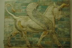 جایگاه والای اسطوره و دنیای پر رمز و راز اساطیر ایران باستان