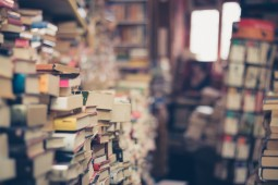 ادبیات عامهپسند جایگاه خود را در کتابفروشیها پیدا میکند