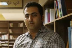 مدیر پخش ققنوس: از ناشران میخواهیم تا پایان خرداد کار نکنند!