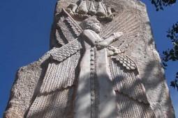 سردرگمی و سرگشتگی پژوهشگران تاریخ درباره ذوالقرنین یا کورش هخامنشی