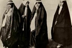 زنان و بازیابی هویت در عصر مشروطه