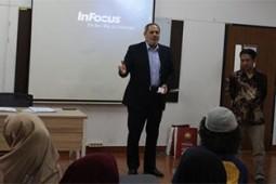 آغاز دوره آموزشی زبان فارسی در دانشگاه اندونزی