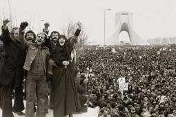 چرا سال 1357 در ایران انقلاب شد؟