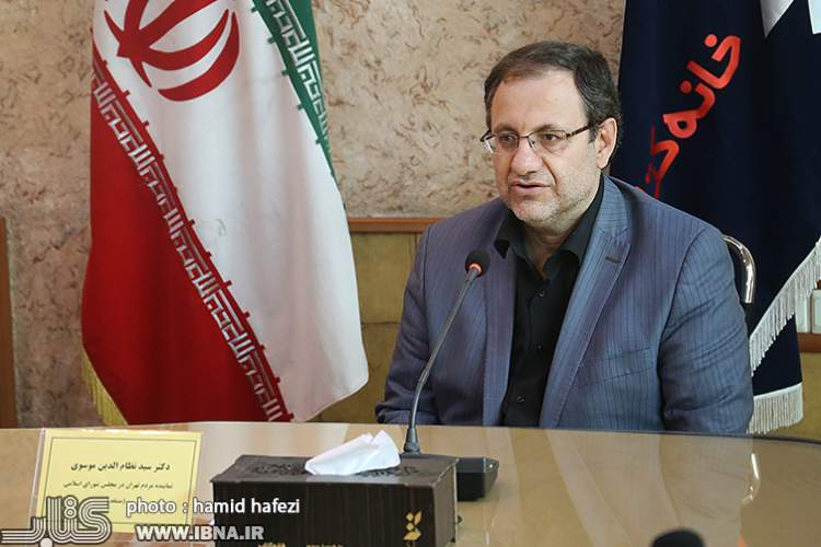 موسوی: اقتصاد یک مساله لاکچری نیست/جلالی: از اطلاعات بدون دانش پر شدهایم!