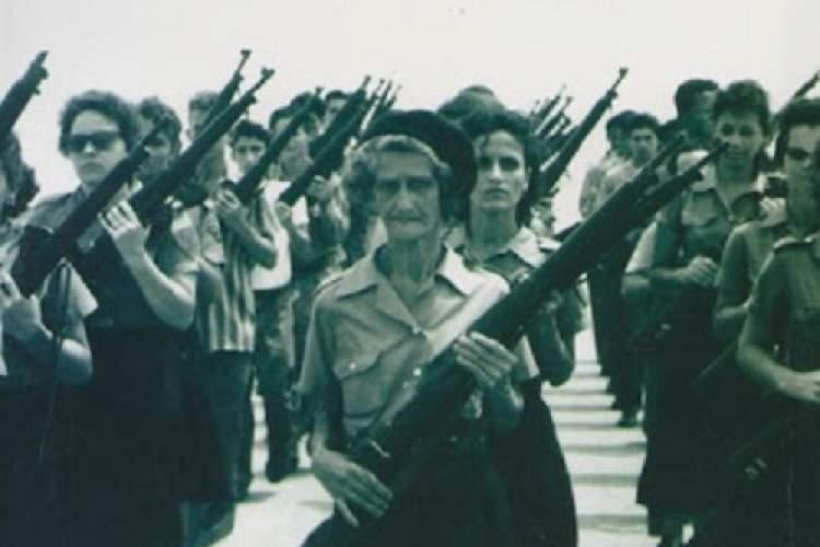 استفاده از تواناییهای زنان در انقلاب