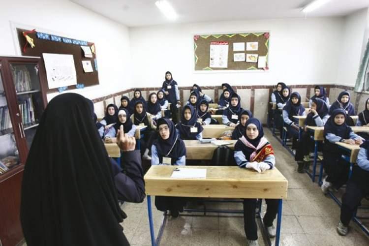تنها یک معلم است که میتواند از علم برای دانشآموزانش بنویسد