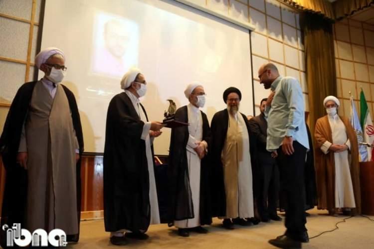 خبرنگار ایبنا برگزیده بخش رمان جشنواره هنر آسمانی شد