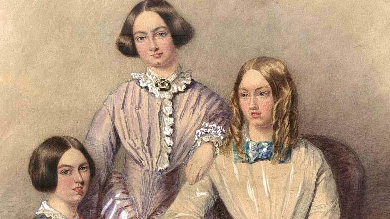این واقعیت که نویسندگانی مثل خواهران برونته آثار خود را با نام مستعار مردانه منتشر میکردند این تصور را تداوم میبخشد که همه نویسندگان زن این کار را برای دستیابی به موفقیت انجام میدهند.