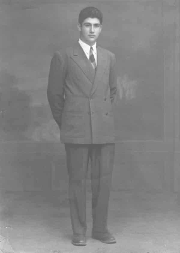 ادوارد سعید در جوانی در قاهره