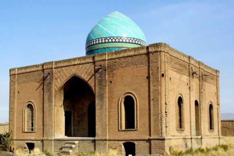 مقبره رئیس المجاهدین آرامگاه میرزا حسن شیخ الاسلام از رهبران ملی مشروطهخواه روستای زرگر